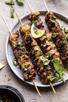 Moroccan Grilled Chicken with Herby Lemon Olive Vinaigrette. - Moroccan Grilled Chicken with Herby Lemon Olive Vinaigrette. Clean Eating, Healthy Eating, Cooking Recipes, Healthy Recipes, Rice Recipes, Pasta Recipes, Publix Recipes, Healthy Options, Shrimp Recipes
