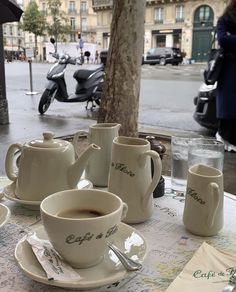 Cakepops, Aesthetic Photo, Aesthetic Pictures, Superfood, Macarons, Paris In October, Coffee Shop Aesthetic, Parisian Architecture, Choco Chips