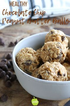 Oatmeal chocolate chip peanut butter energy bites are delicious handheld peanut butter balls that work great as snacks, in a lunchbox or dessert. Easy to make with just 5 ingredients! Gluten-free, make with sun butter for an allergy-free option! Snacks For Work, Healthy Snacks For Kids, Healthy Dessert Recipes, Healthy Baking, Snack Recipes, Healthy Food, Snacks Ideas, Healthy Deserts, Quick Snacks