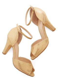 Sapatos de noiva baratos de Modcloth dourados #casarcomgosto