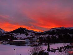 Sonnenuntergang über Riezlern - Ausblick von unseren Gatterhof Balkonen. Mountains, Nature, Travel, Sunset, Alps, Naturaleza, Viajes, Destinations, Traveling
