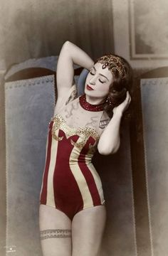 vintage circus girl. Would love to have that as a swimming costume (aka swim suit)