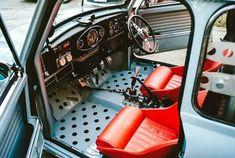 Coopers theory of evolution Mini Cooper S, Mini Cooper Classic, Classic Mini, Classic Cars, Mini Clubman, Mini Countryman, Fiat 500, Vw Cabrio, Vw Baja Bug