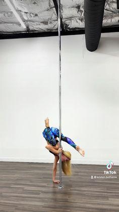 Pole Dance Moves, Pole Dancing Fitness, Pole Fitness, Acrobatic Gymnastics, Gymnastics Workout, Shoulder Workout, Handstand, Summer Aesthetic, Athletes