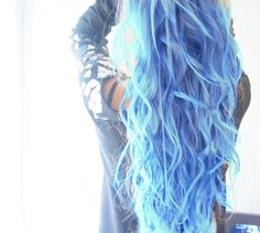 ★Blue and Light Blue Ombre Hair ★ #blue #bluehair #ombre #ombrehair #ombreblue #galaxyhair #hair #curly #curlyhair