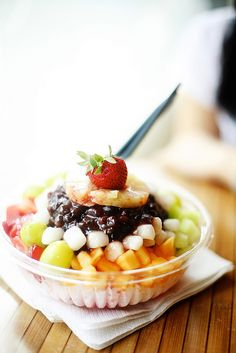 Korean Patbingsoo - shaved ice with fruits,sweet azuki beans and rice cakes