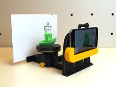 Smartphone Photo Studio for #3DBenchy and tiny stuff by ZYYX3DPrinter. Based on a design by CreativeTools.