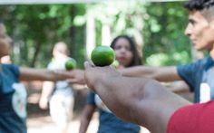 Neste mês de novembro, entre os dias 18 e 20, durante a II Gincana Intercultural da Rede, realizada em Canarana-MT, os jovens pesquisadores tiveram a oportunidade de apresentar os resultados obtidos com suas pesquisas para outros 30 jovens, da zona rural, urbana e indígenas, com relação direta ou indireta com a ARSX, convidados pelos próprios jovens pesquisadores. Através de registros fotográficos, desenhos e redações, os pesquisadores compartilharam os resultados com o grupo de convidados.