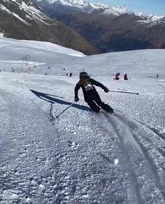 Alpine Skiing, Snow Skiing, Ski Video, Mode Au Ski, Snowboarding Videos, Saas Fee, Ski Racing, Ski Jumping, Ski Season
