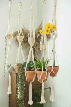 Large Hanging Planters, Decorative Planters, Diy Gifts, Handmade Gifts, Floating Garden, Pot Hanger, Macrame Plant Hangers, Different Plants, Minimalist Decor