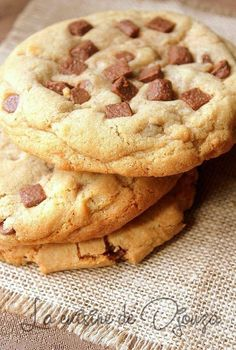 Cookies moelleux americains (recette rapide) Fluffy and melting chocolate american cookies No Cook Desserts, Cookie Desserts, Cookie Recipes, Dessert Recipes, Chocolate Chip Cookies, Sweet Crepes Recipe, Crazy Cookies, Chicken Parmesan Recipes, Lemon Cookies
