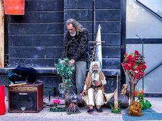 FOTOS SIN PORQUE: La Gente y sus cosas.  #gente en el paisaje, Artesanos de Recoleta, Cityscape, Ciudad, fotografía callejera, FOTOGRAFÍA URBANA, paisaje urbano, street photography