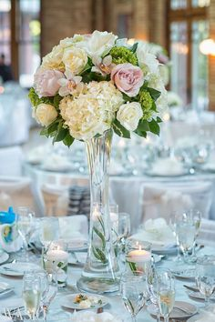Cafe Brauer wedding venue, Lincoln Park, Chicago, fresh flowers