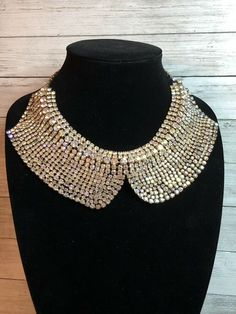 No missing Rhinestones! This necklace is in prefect condition! Shipped with USPS First Class Package. Back Necklace, Gold Pendant Necklace, Lariat Necklace, Crystal Necklace, Rhinestone Choker, Vintage Rhinestone, Vintage Costume Jewelry, Vintage Jewelry, Aurora Borealis
