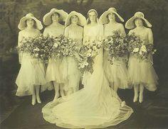 Bride and bridesmaids   Flickr - Photo Sharing! So pretty!