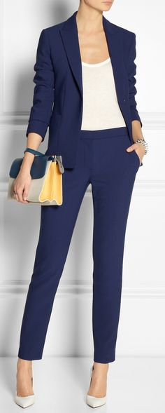 Navy blue blazer and trousers. Love when a woman is confident enough to wear a menswear look. Very classy and feminine.