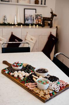 Vacations Goodies Dessert Board / recipe // diy // meals // sweet // dessert concepts // www.eatsleepwear.com