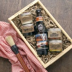 Gifts for father - DIY BBQ Gift Basket for Dad with Free Printables