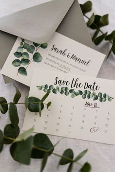 Save the Date Karten mit Eukalyptus für unsere Vintage Boho Hochzeit Save the date cards with eucalyptus for our vintage boho wedding Wedding Save The Dates, Post Wedding, Diy Wedding, Rustic Wedding, Wedding Suite, Wedding Ideas, Budget Wedding, Wedding Inspiration, Save The Date Karten