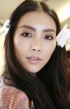 Chloe Fall-Winter 2011/12. How does she get it so glossy?