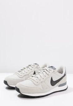 6e1399030d802 INTERNATIONALIST - Sneaker low - light bone black cool grey - Zalando.de