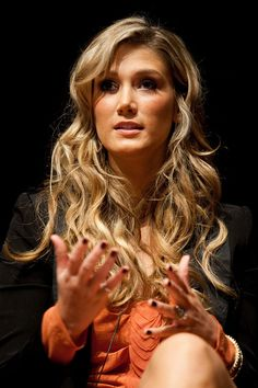 """Delta Goodrem Photos Photos - Delta Goodrem on a panel discussion at """"Rock Stars of Science"""" sponsored by Geoffrey Beene Foundation & ResearchAmerica to engage heath and medicine discussion at the Capitol Visitors Center Auditorium on September 24, 2009 in Washington, DC. - Rock Stars of Science Hosted by Geoffrey Beene Foundation & ResearchAmerica"""