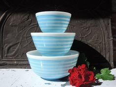 Vintage Pyrex Nesting Bowls Set of Three Blue by used2bnewVintage