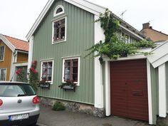 Minimalistisk i Helsingborg Helsingborg, Boat Dock, Wooden House, Home Hacks, Sweet Home, Shed, Villa, Outdoor Structures, Cabin