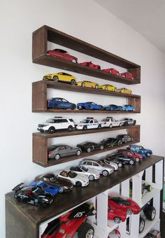 New diy storage boxes shelf ideas Hot Wheels Storage, Toy Car Storage, Diy Storage Boxes, Bookshelf Storage, Box Shelves, Diy Kitchen Storage, Display Shelves, Easy Storage, Bedroom Storage