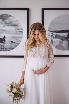 OMG! Such a gorgeous pregnant boho-bride.