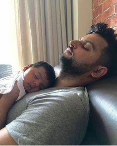 Suresh Raina with his daughter Gracia - http://ift.tt/1ZZ3e4d
