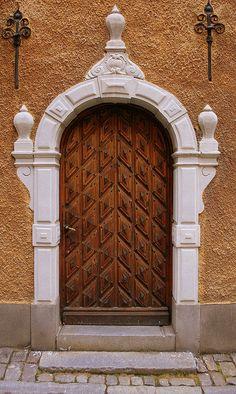 Elegant doorway in Stockholm, Sweden Cool Doors, Unique Doors, Entrance Doors, Doorway, Driveway Entrance, House Entrance, Walkway, Gates, When One Door Closes