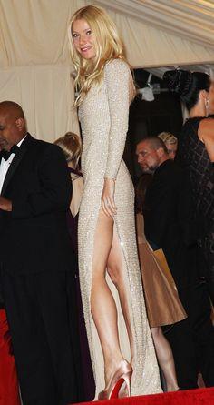 Gwyneth The Confident: long leg split dares to bare..  #BravuraBottle <3