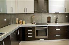 kitchen in a showroom b Kitchen Cupboard Designs, Kitchen Room Design, Modern Kitchen Cabinets, Kitchen Sets, Modern Kitchen Design, Home Decor Kitchen, Interior Design Kitchen, Stainless Steel Kitchen Design, Aluminium Kitchen