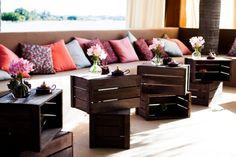 Mesinhas do louge feito de caixas de madeira de feirinha, diy