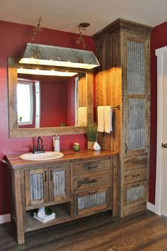 Rustic Bathroom Vanity – Reclaimed Barn Wood Vanity w/Barn Tin – Diy Bathroom Remodel İdeas Rustic Bathroom Designs, Rustic Bathroom Vanities, Bathroom Ideas, Barn Bathroom, Bathroom Cabinets, Rustic Bathroom Lighting, Vanity Bathroom, Rustic Lighting, Narrow Bathroom