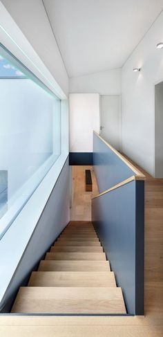 How to choose and buy a new and modern staircase – My Life Spot Stair Handrail, Staircase Railings, Modern Staircase, Staircase Design, Stairways, Interior Stairs, Interior Architecture, Escalier Design, House Stairs