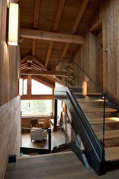 Décoration d\'intérieur moderne pour un chalet de luxe à la montagne ...