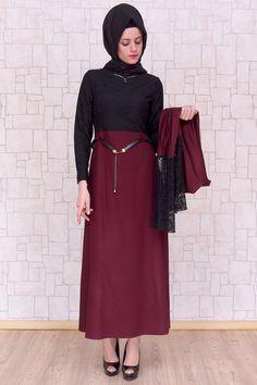 Fular Hediyeli Bordo Elbise, 140 cm boyunda, astarsız, %65 pamuk %35 polyester kumaştan Pay Butik tarafından üretilmiştir.