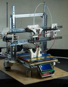 Build Your Own Cheap Ad(str)apto 3D Printer with Common Hand Tools http://3dprint.com/76925/adstrapto-3d-printer/