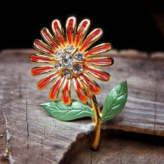 Such a beautiful Sunflower Brooch to compliment every occasion  #craft365.com