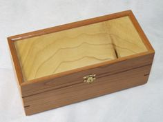 Wooden Keepsake Box made with Birch and Walnut wood with by sajvo