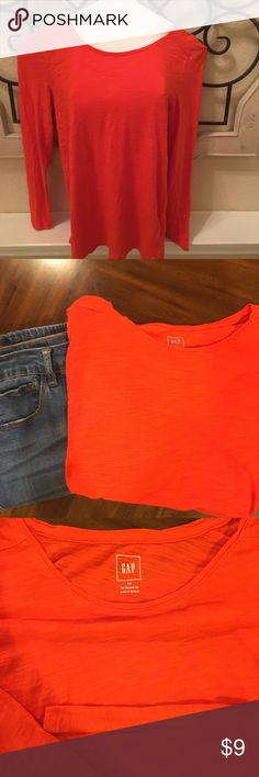 Orange Gap relaxed fit tee size xs Orange Gap relaxed fit tee size xs  Super soft and comfy Fun bright orange color Excellent used condition 100% cotton GAP Tops Tees - Long Sleeve