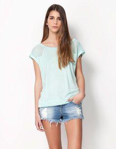 Bershka United Kingdom - Bershka T-shirt with tulle shoulder detail