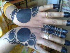 would look lovely in reddish hue natural henna Mehandhi Designs, New Mehndi Designs, Beautiful Henna Designs, Hand Designs, Mehndi Design Pictures, Mehndi Images, Mehndi Art, Henna Mehndi, Foot Henna