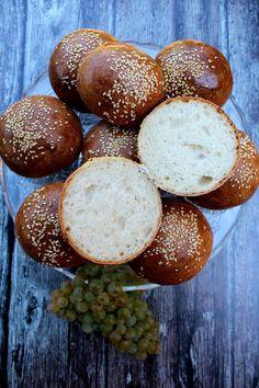 Croissant Bread, Hamburger, Winter Food, Pretzel Bites, Food And Drink, Buns, Breads, Baskets, Yogurt