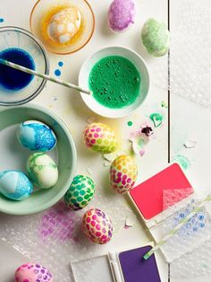 Messy easter eggs project kid easter crafts and fun пасха. Crafts For Kids To Make, Easter Crafts For Kids, Diy And Crafts, Arts And Crafts, Easter Ideas, Giada De Laurentiis, Diy Craft Projects, Projects For Kids, Easter Eggs Kids