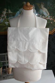 Ruffle Tote Bag on  www.sophieporcelain.blogspot.de
