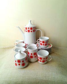 Vintage porcelain coffee Set- coffee cups- plates- coffee pot- sugar bowl Retro Kitchenalia by AntiquEmporiums on Etsy https://www.etsy.com/ca/listing/224402908/vintage-porcelain-coffee-set-coffee-cups