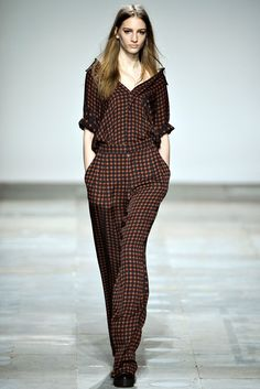 Topshop Unique - Fall 2012 Ready-to-Wear